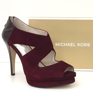 Michael Kors Elena Crossstrap Pumps
